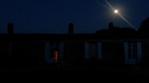 Une maison vendéenne, la nuit.jpg